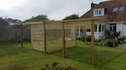 Strip trellised pergola