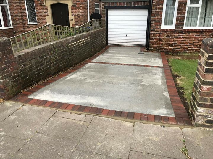 Concrete and block paved edge