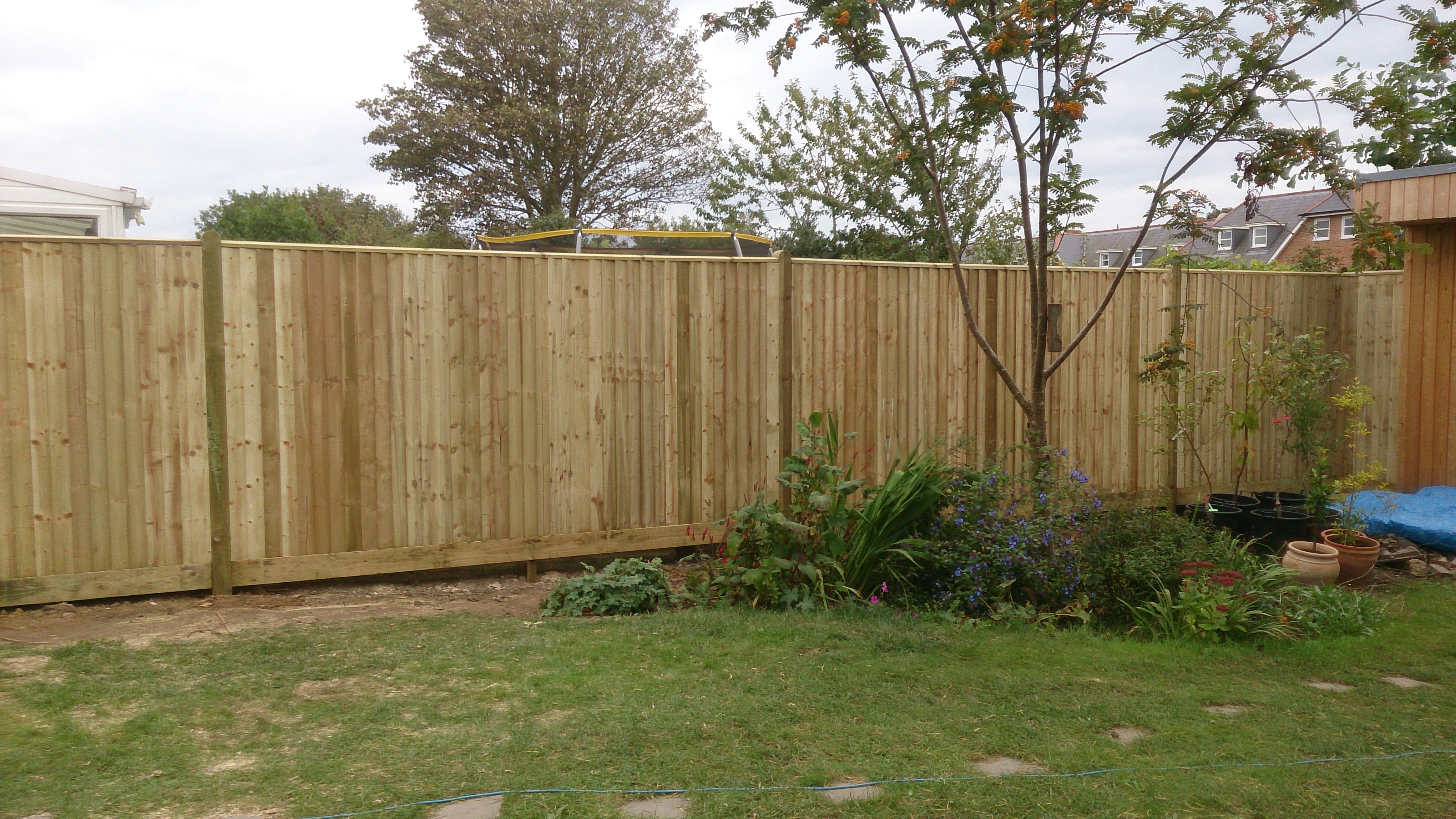 Lap panel fencing