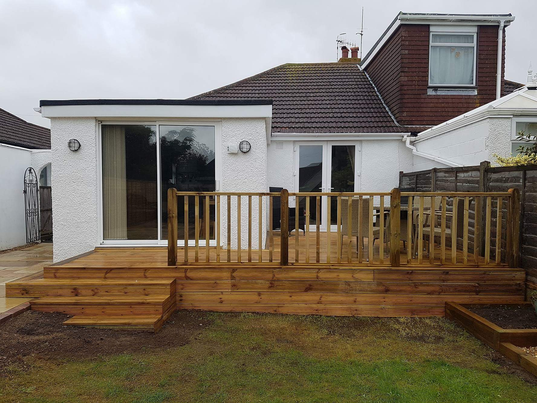 Raised deck with balustade