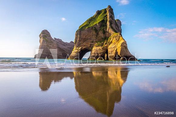 Wharariki Beach in Nieuw Zeeland