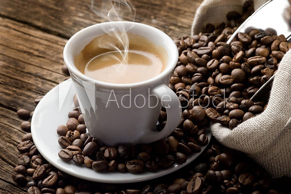 Kopje koffie in bovenaanzicht