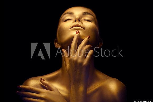 Dame met gouden huid