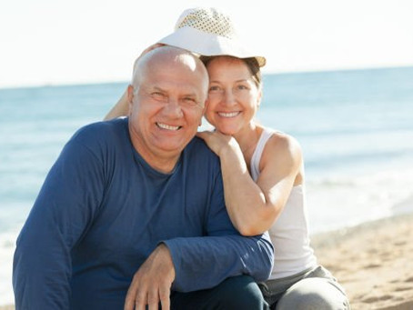 Differences Between Dental Implants and Bridges