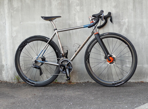 William's custom EQUILIBRIUM titanium disc road bike