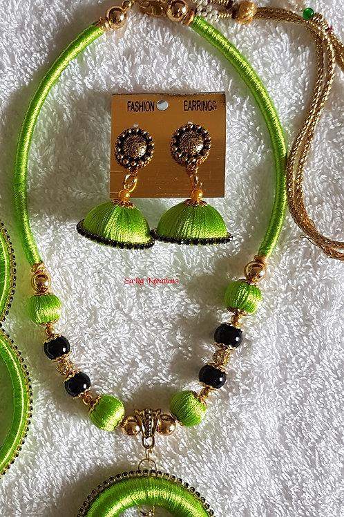 Pista Green and Black Set