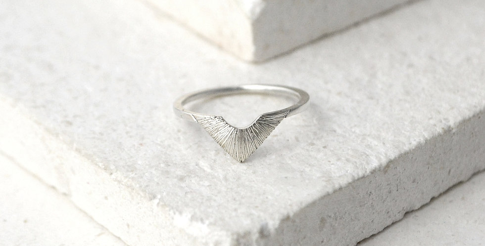 Triangle Sunbeam Ring - Silver