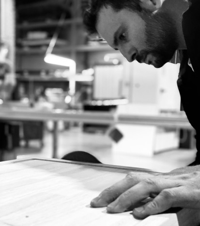 Les Coulisses de la Fabrication de la Planche de Présentation COEO