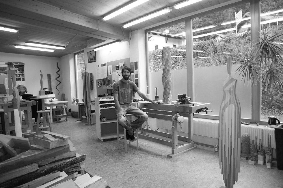 Atelier mit Manni blackwhite.JPG