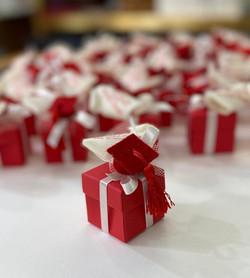 Scatolina confettata tocco rosso