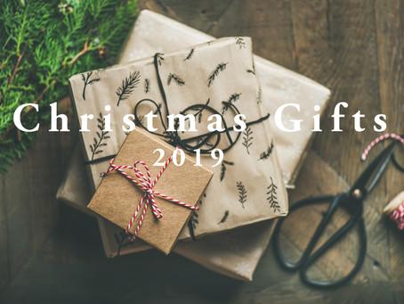 クリスマス-Xmas プレゼントに最適!アルファベット刻印できます!コモンオパールと水晶の天然石付きのパール+スフレガラスブレスレット。アジャスター付きで長さ調節も可能。