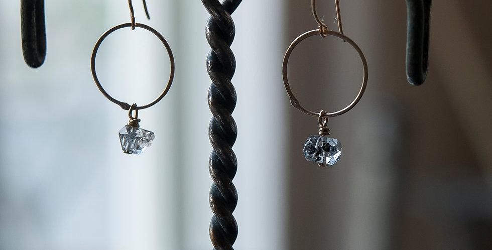 水晶×オリジナルブラスリングのシンプルで上品なピアス/イヤリング(TJ10936)