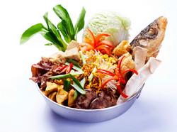 沙鍋魚頭-選用石門水庫特產大頭鰱魚品質佳且沒有土味!