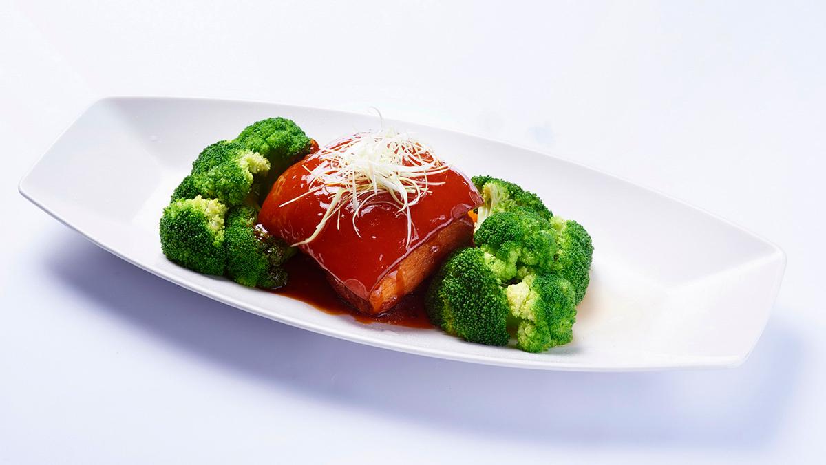 東坡肉-選用10個月以上黑毛豬最頂級三層肉