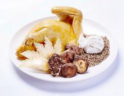 胡椒雞-採用野放山林的小土雞,不但健康、美味、高品質,肉質鮮嫩有口皆碑!