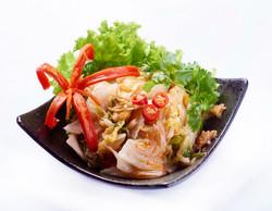 高山泡菜-選用梨山大白菜,經塩醃靜置,