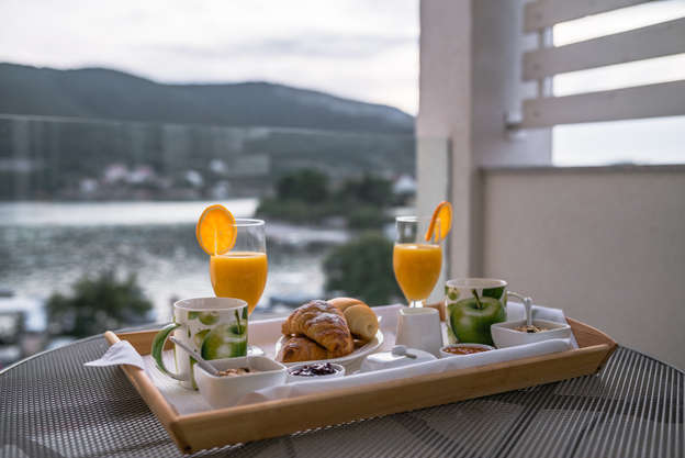 apartments holidays roko breakfast 1.jpg