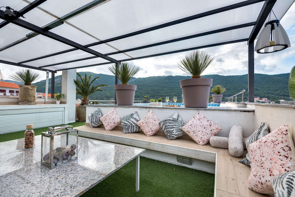 sitting_area_holidays_roko_roof_terrace.