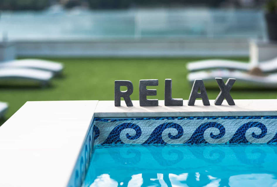 relax_sign_swimming_pool.jpg