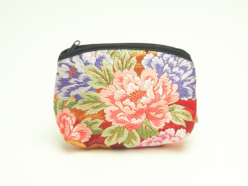 Arched pouch 010095-c