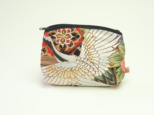 Arched pouch 010047-c