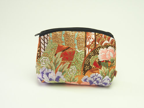 Arched pouch 010064-c