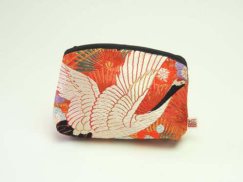 Arched pouch 010061-c