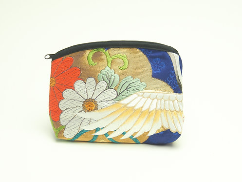 Arched pouch 010097-c