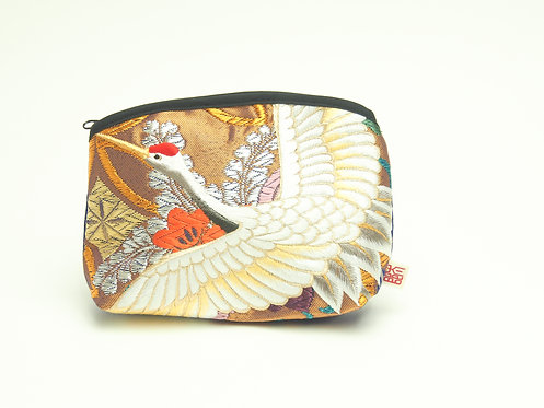 Arched pouch 010099-c