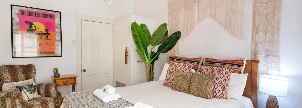 Beach-Style Queen Room