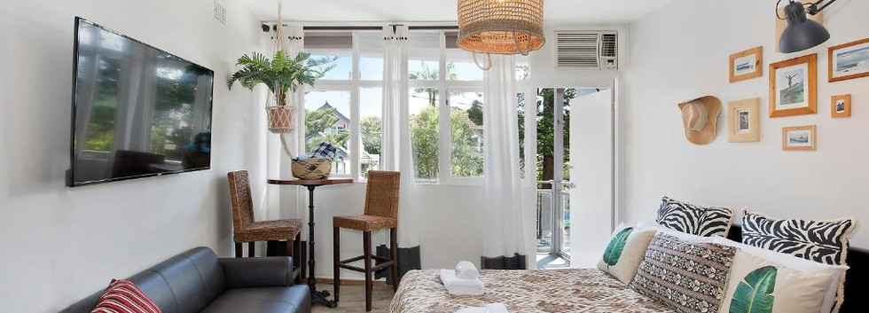 Deluxe Studio with Balcony