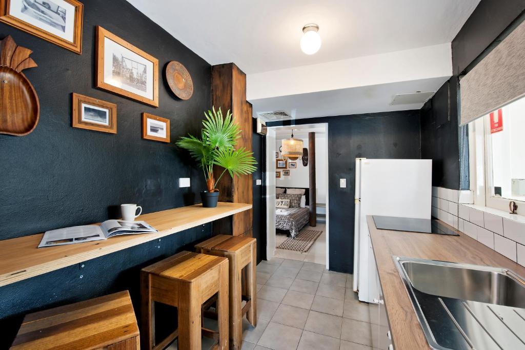 Family Studio Kitchen