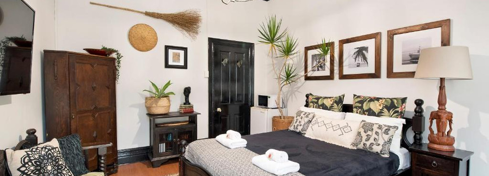 Palm-Style Queen Room