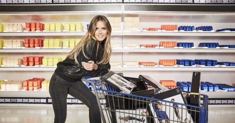 Parce que dès le 18 septembre prochain chez LIDL, il sera possible de trouver entre boîte de conserve de thon et paquets de spaghettis low-cost, des vêtements nommés Esmara, signés par la Top Model, Heidi Klum. / View Wave Magazine par Melissa N'Dila