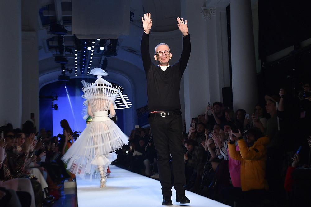Après 50 ans de créations aussi fantasques qu'adulées, l'Enfant terrible de la mode se retire des défilés Couture. Pas de panique ! Un autre très gros  projet est en préparation... / Topwalk Magazine 2020, Melissa N'Dila