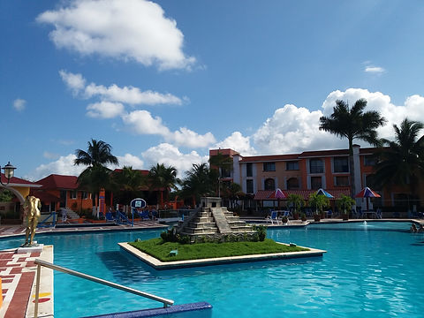 Пирамида в Hotel Cozumel & Resort