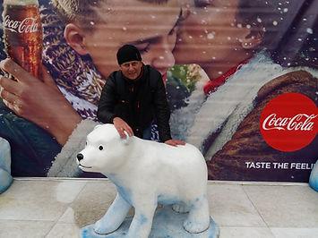 Встретил маленького медвежонка