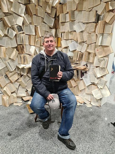 Я среди книг