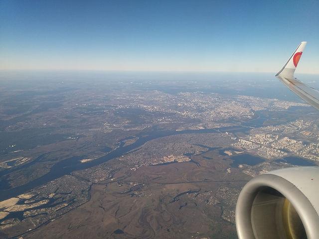 Под крылом самолёта река Днепр