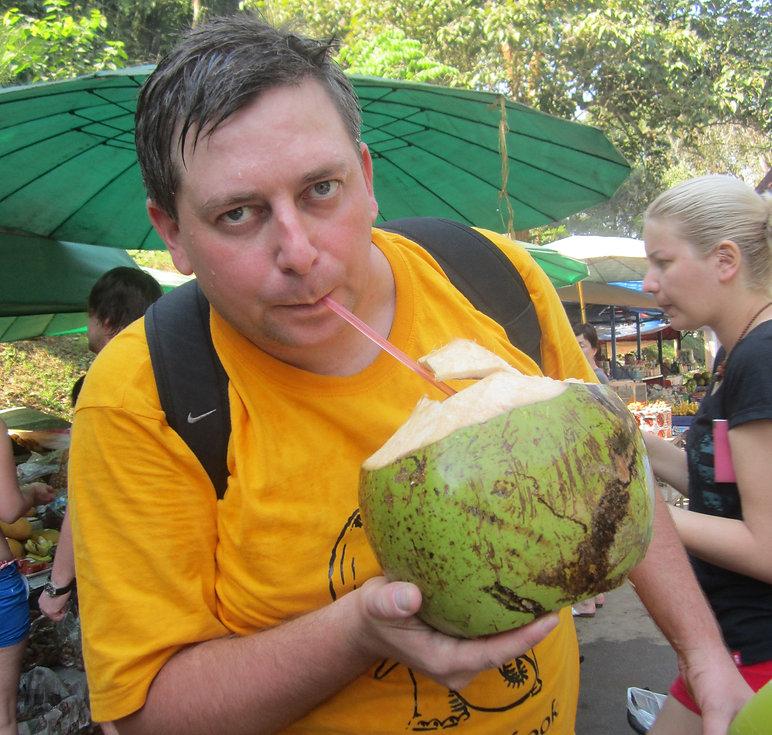 Кокос большой и вкусный