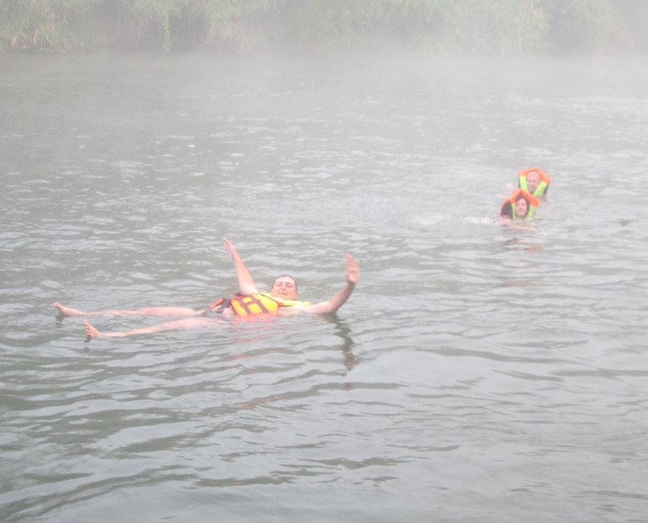 Раннее утро на реке Квай