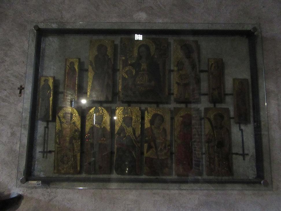 Варенна, церковь святого Георгия, иконы