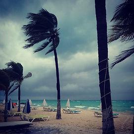 Ветер налетел на остров Исла Мухерес
