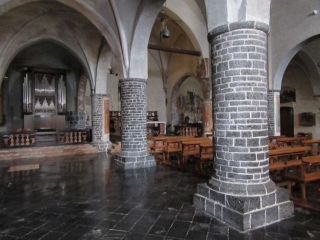 Варенна, церковь святого Георгия внутри