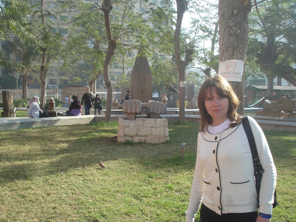 Возле Каирского национального музея