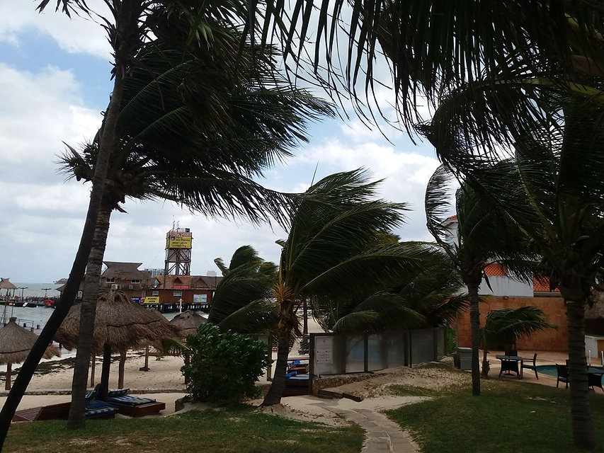 Шторм в Канкуне