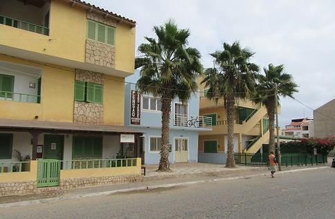 Улица города Санта Мария на острове Сал
