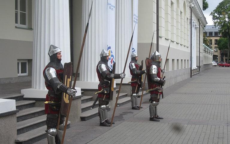 Рыцаре стоят наготове