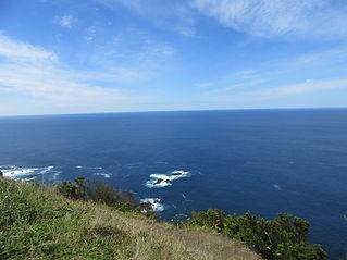 Скалы возле побережья
