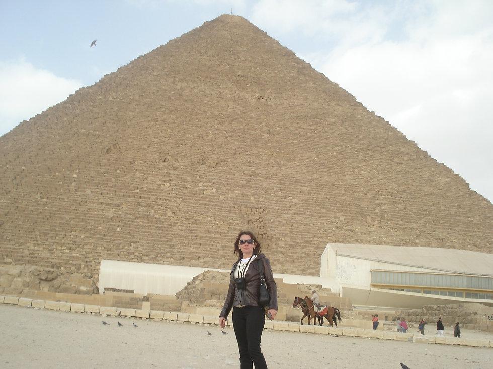 Возле Пирамиды в Гизе